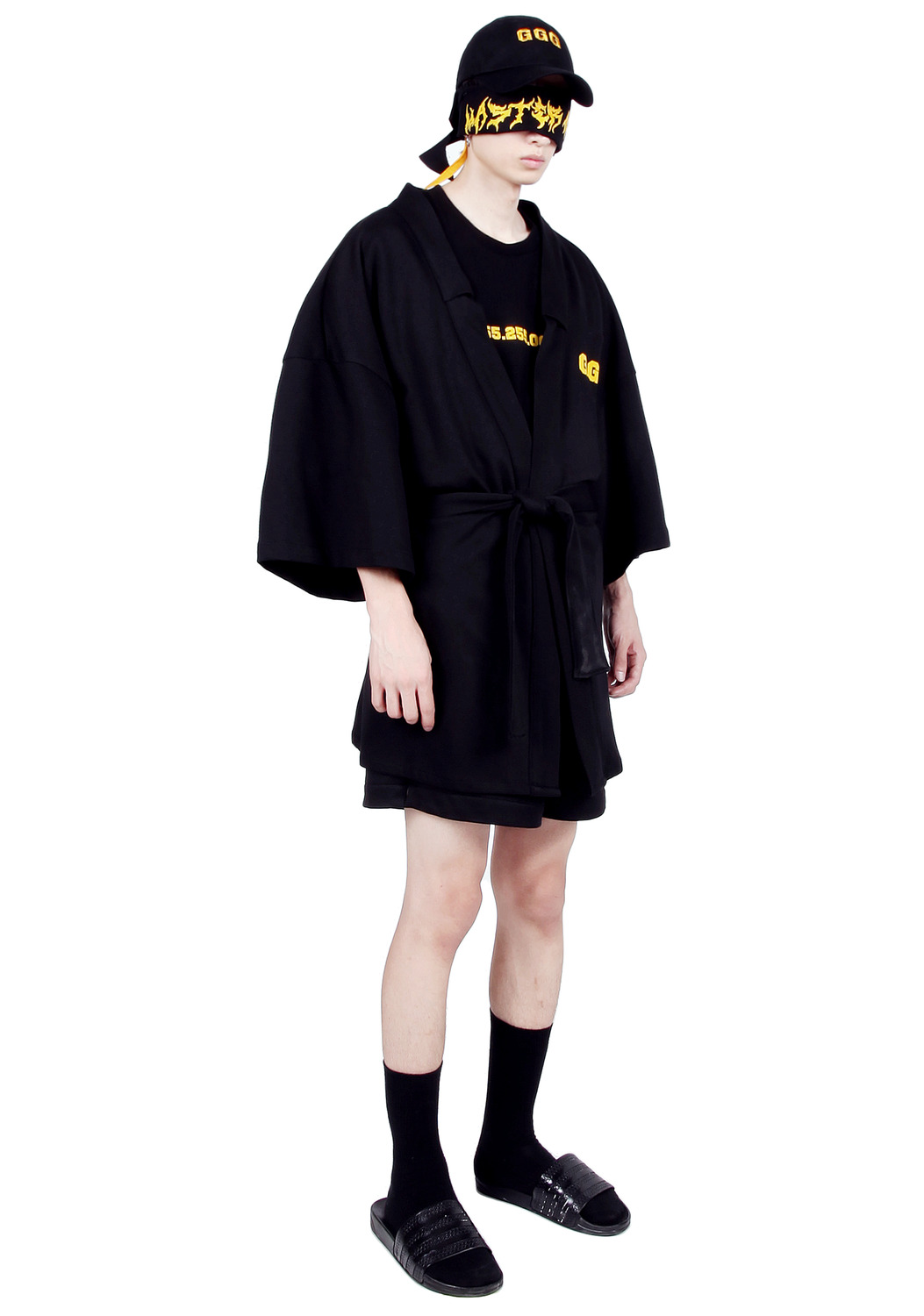 BLACK SHORT ROBE COAT